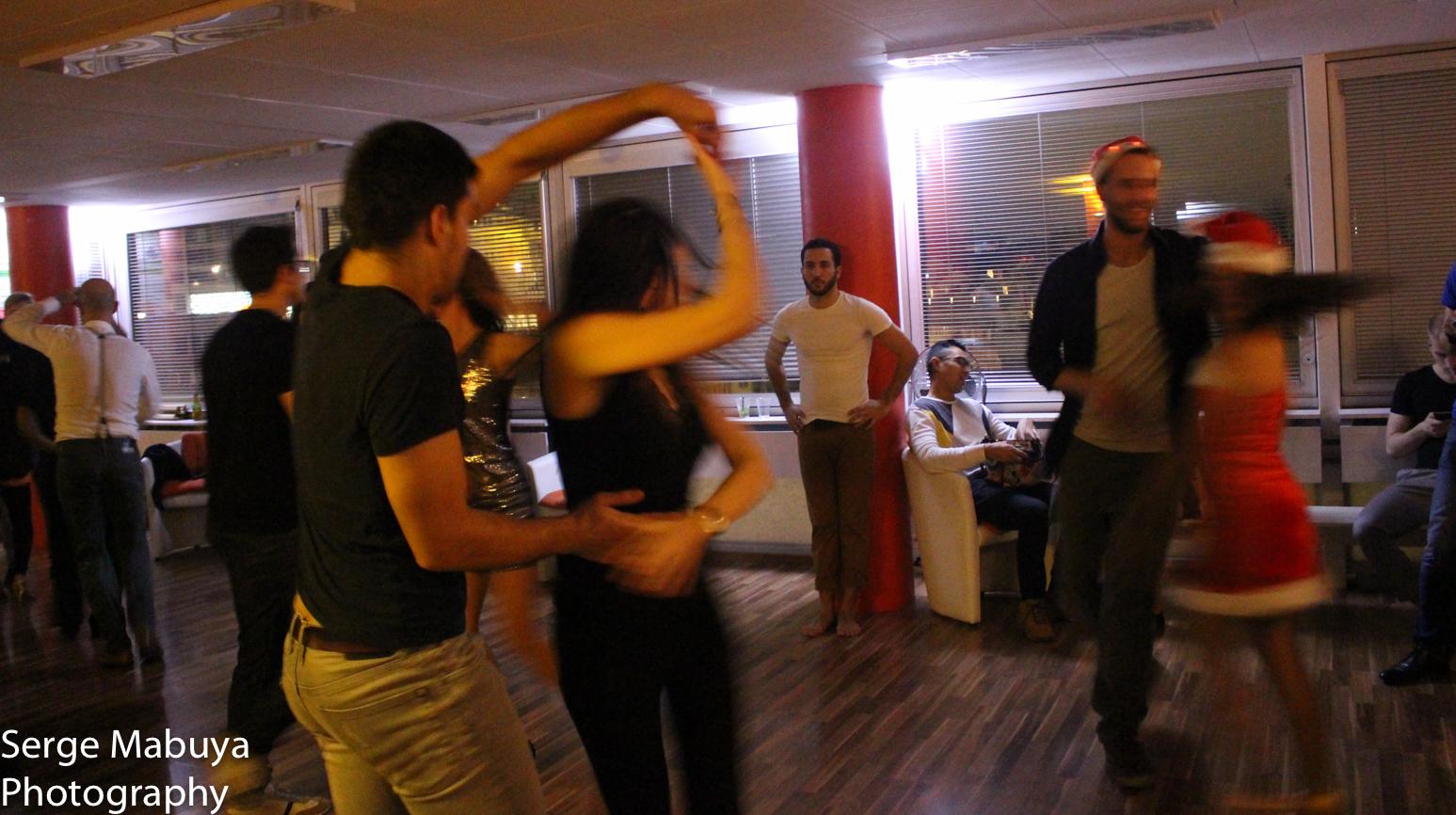 aliasalsa-soiree-noel-lausanne-salsa-serge-9509